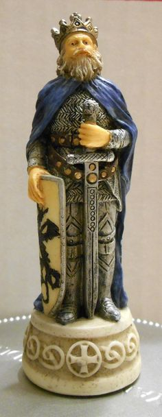 FOR SALE - Arthur Blue King Arthur's Court Chess Set 916 Replacement Piece Excalibur Resin