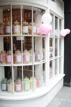 28 vintage bakery shop store fronts window displays - Savvy Ways About Things Can Teach Us Shop Window Displays, Store Displays, Candy Store Display, Bonbons Vintage, Store Concept, Store Front Windows, Vintage Bakery, Bakery Store, Cute Store