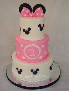 Minnie Mouse Cake by springlakecake, via Flickr