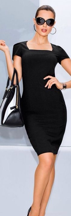 Love the dress and purse but just say no to those earrings.