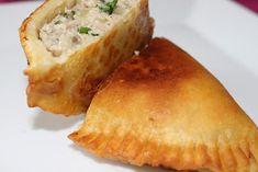 Na moim stole...: Czebureki - smażone pierogi tatarskie Pierogi, Cornbread, Ethnic Recipes, Food, Millet Bread, Essen, Meals, Yemek, Corn Bread