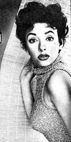 Rita Moreno Classic Beauty, Timeless Beauty, Rita Moreno, Musical Film, Vivien Leigh, Warrior Princess, Rich Girl, I Icon, Vintage Glamour
