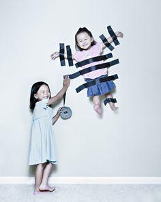 ファンタジックな少女たちの写真が人気    父が幼い娘たちを撮影し、Photoshopで加工した独創的な作品がネットで話題になっている。