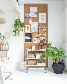 #Inspiração Painel de cortiça no home office.