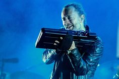 #RADIOHEAD #perform in #silence as sound fails at Coachella...