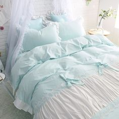 Bedroom Set Mid Century Modern Bedroom Sets Queen Furniture With Mattress Shabby Chic Bedrooms, Shabby Chic Furniture, Shabby Chic Decor, Bed Furniture, Bedroom Sets, Home Decor Bedroom, Modern Bedroom, Turquoise Duvet Cover, Shabby Chic Zimmer
