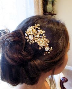 Hey, I found this really awesome Etsy listing at https://www.etsy.com/listing/208645822/bridal-hair-comb-gold-wedding-headpiece