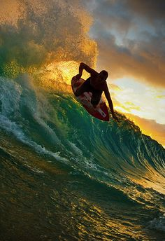 Surfing holidays is a surfing vlog with instructional surf videos, fails and big waves Big Waves, Ocean Waves, Wind Surf, Surf Wave, Travel Around The World, Around The Worlds, James Cook, Surfs Up, Ocean Life