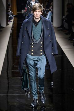 Dedicated to men's haute couture with current runway and street looks.
