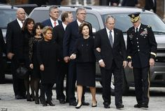 George H. Bush funeral: Final salute for President Past Presidents, American Presidents, American History, George Walker, George Hw, Barbara Pierce Bush, Hw Bush, Laura Bush, Historia
