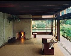 Via _roomonfire The Schindler House in West Hollywood, California, was designed by architect Rudolf M. Schindler to be a cooperative live/work space for two young families. The concrete walls and sliding glass panels made novel use of industrial materials, while the open floor plan integrated the external environment into the residence, setting a precedent for California architecture in particular.