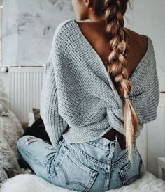 Twist back sweater!