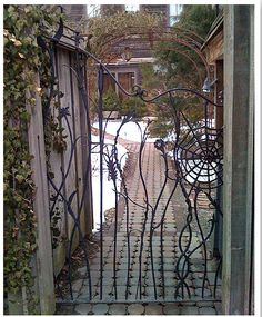 From http://www.casasugar.com/Modern-Metal-Gate-Pictures-19228456?page=0,0,7#7 - For the school garden gate?