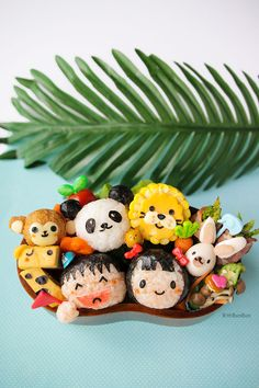 Planning for a trip to the zoo and not sure what to pack for lunch? Delight your animal-loving child with this animal-filled bento lunch! Bento Box Lunch For Kids, Bento Kids, Cute Bento Boxes, Lunch Ideas, Bento Tutorial, Cheese Drawing, 4th Wedding Anniversary, Bento Recipes, Bun Bun