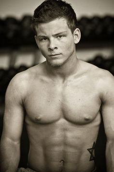 IF THE CHILD ACTOR Jonathan Lipnicki CAN GROW UP TO LOOK LIKE THIS, THERE IS HOPE FOR ALL THE PEOPLE WHO WERE THOUGHT TO BE JUST CUTE AS KIDS. I LIKE HOW SHOWS THAT HE IS COMFORTABLE ABOUT HIS JEWISH HERITAGE; IF YOU NOTICE HIS STAR OF DAVID TATTOO.