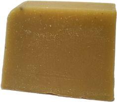 Los jabones artesanos son de mejor calidad y más beneficiosos para la piel que los jabones comerciales. Son más suaves, no llevan químicos adicionales y no producen reacciones de irritación.