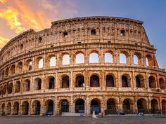 Αυτοκρατορική, μοιραία, απρόβλεπτη, αεικίνητη, η Αιώνια Πόλη δεν επαναπαύεται στις δάφνες της ιστορίας της και σε διαχρονικά σύμβολα. Flights To Rome, Sun Holidays, 11th Century, Short Break, Weekends Away, Ancient Ruins, Northern Italy, Thessaloniki, Historical Architecture