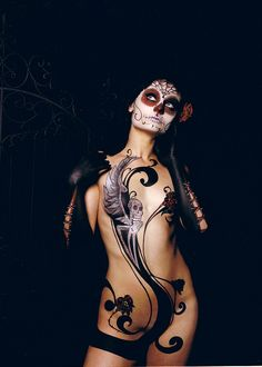 Day of the Dead body paint !! Beautiful.