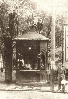 Piazza Risorgimento  The oldest kiosk Prati district, which still exists today even if replaced by a modern structure Year:  1930ca