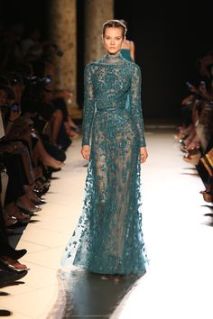 Very cool.   flarefashion.tumblr.com  Elie Saab Haute Couture - Fall 2012 / Photo Courtesy of Elie Saab  Click here to see the entire collection.