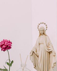 Blessed Virgin Mary, Disney Characters, Fictional Characters, Prayers, Aurora Sleeping Beauty, Faith, Lifestyle, Disney Princess, Inspiration