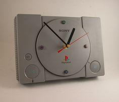 Une horloge Playstation
