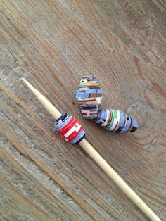 Upcycling: Perlen aus Papier ~ beads made of paper