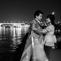 Night Couple - Summer days are here and romance is in the air. If you're looking for a place to take your date, please visit the Hangang-river. You can enjoy bike rides, night water shows, or just relaxing with your loved one.