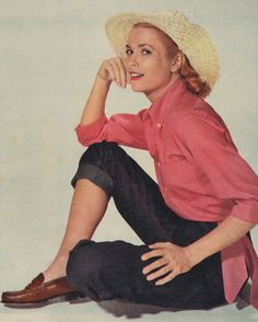 Grace Kelly in costume for Rear Window Hollywood Icons, Classic Hollywood, Old Hollywood, Hollywood Style, Princesa Grace Kelly, Monaco As, 19 Kids And Counting, Paris Match, Princess Caroline