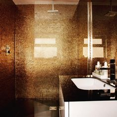 Wet rooms have been popular in Europe for centuries, but are still a rarity outside Europe. Here are best design tips to create your own. Silver Bathroom, Wooden Bathroom, Bathroom Renos, Basement Bathroom, Bathroom Renovations, Bathroom Wall, Small Bathroom, Bathroom Ideas, Big Bathtub