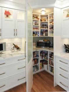Corner Kitchen Pantry, Kitchen Pantry Design, Diy Kitchen Storage, Home Decor Kitchen, Home Kitchens, Kitchen Ideas, Kitchen Organization, Pantry Ideas, Organization Ideas