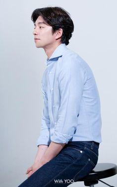 Gong Yoo / 공유 / Гон Ю ♡ Hot Korean Guys, Korean Men, Asian Actors, Korean Actors, Goblin The Lonely And Great God, Goblin Korean Drama, Goblin Gong Yoo, Undercut Long Hair, Dramas