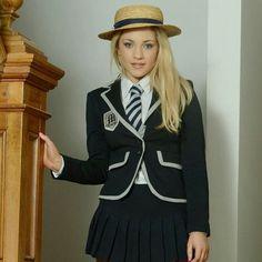 """استایل زنان on Instagram: """"استایل کراوات یک استایل شیک وآراسته برای خانم ها😍😍شماهم امتحان کنید👏👏 ونظرتون رو بگید✍✍ @jacket__keravate__zanane @jacket__keravate__zanane"""" School Girl Outfit, Girl Outfits, Cute School Uniforms, White Shirts Women, Tie, Suits, Long Sleeve, Jackets, Dresses"""