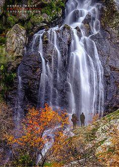 En los confines del Parque Natural del Lago de Sanabria y Alrededores, Cascada de aguas Cernidas // In the confines of the Sanabria Lake Natural Park, Waterfall sifted waters