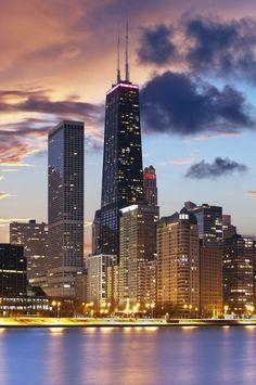 5612dd54bd80  Chicago skyline at sunset- Illinois Milwaukee City