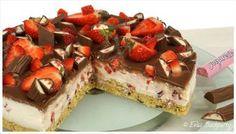 No-bake-Yogurette-Erdbeer-Torte - Löffelbiskuit-Butter-Yogurette-Boden mit Joghurt-Sahne-Erdbeer-Creme und Yogurette-Ganache - schnell - http://evasbackparty.de/yogurette-erdbeer-torte/ Knusperboden Knusper Boden