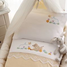quilting like crazy Baby Sheets, Cot Sheets, Baby Bedding Sets, Cot Bedding, Quilt Baby, Baby Embroidery, Cross Stitch Embroidery, Cross Stitch Designs, Cross Stitch Patterns