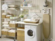 Cuarto de lavado y planchado con estilo romántico