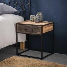 Het industriële nachtkastje Floor is ideaal om dingen in op te bergen en op te leggen naast je bed. Het stoere tintje wordt gecreëerd door het robuuste hardhout. Door het gebruik van natuurlijke materialen is elke nachtkastje verschillend en dus heb je een uniek item in je huis! Het hout zorgt voor sfeer en warmte in je slaapkamer. Het nachtkastje Floor heeft een frame van geschuurd staal met 1 lade van hardhout. Dit nachtkastje maakt deel uit van de 'Floor' serie, met nog meer verschillende… Nordic Bedroom, Modern Bedroom, Bedroom Decor, Vinyl Shelf, Industrial Side Table, Sofa Side Table, Steel Table, Room Inspiration, Nightstand