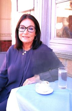 Nana Mouskouri Taking a rest!