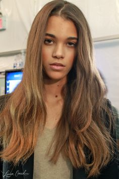 loose waves and perfectly bronzed face // makeup at herve leger fall 2013