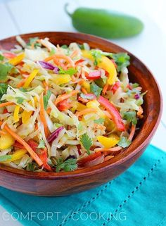The Comfort of Cooking » Tangy Tex-Mex Bell Pepper Slaw  (this seems like it would be really good on a veggie burger!)