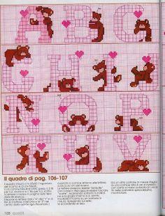 Alfabeto de ositos con corazones para punto de cruz.