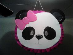 piñata con tema de panda para niña
