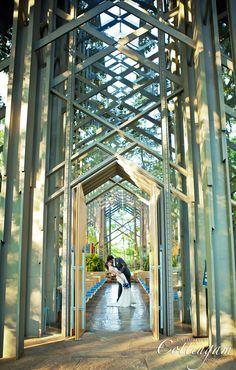 Wedding at the Glass Chapel in Eureka Springs, Arkansas . Doors open.