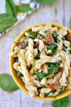Sun Dried Tomato, Spinach & Goat Cheese Pasta. This looks SO tasty!!!