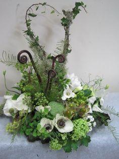 woodland floral arrangement by Francoise Weeks