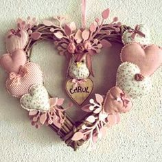 Guirlanda de Porta para Maternidade! @lizemaria #artesã #artesanato #amoartes #coruja #corações #guirlandadeporta #lizemaria #bebezinha #maternidade #lardocelar #feltro #aceitoencomenda