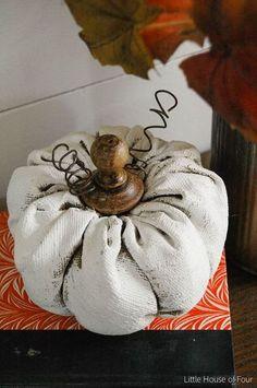 rustieke geschilderde doek pompoenen, krijtverf, ambachten, home decor, seizoensgebonden vakantie decor