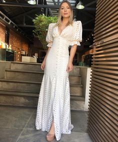 White Outfits, Classy Outfits, Dress Outfits, Casual Dresses, Fashion Dresses, Summer Dresses, Lovely Dresses, Vintage Dresses, Floral Midi Dress
